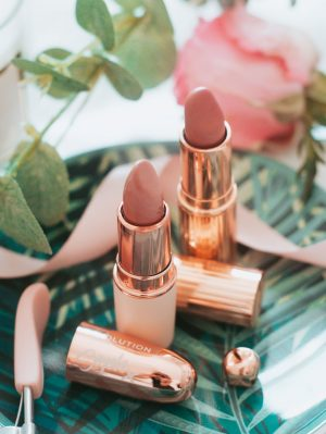 forever september, blogger, fashion, beauty, lifestyle, charlotte tilbury, makeup revolution, soph x revolution, rose gold, lipstick, nude lipstick,