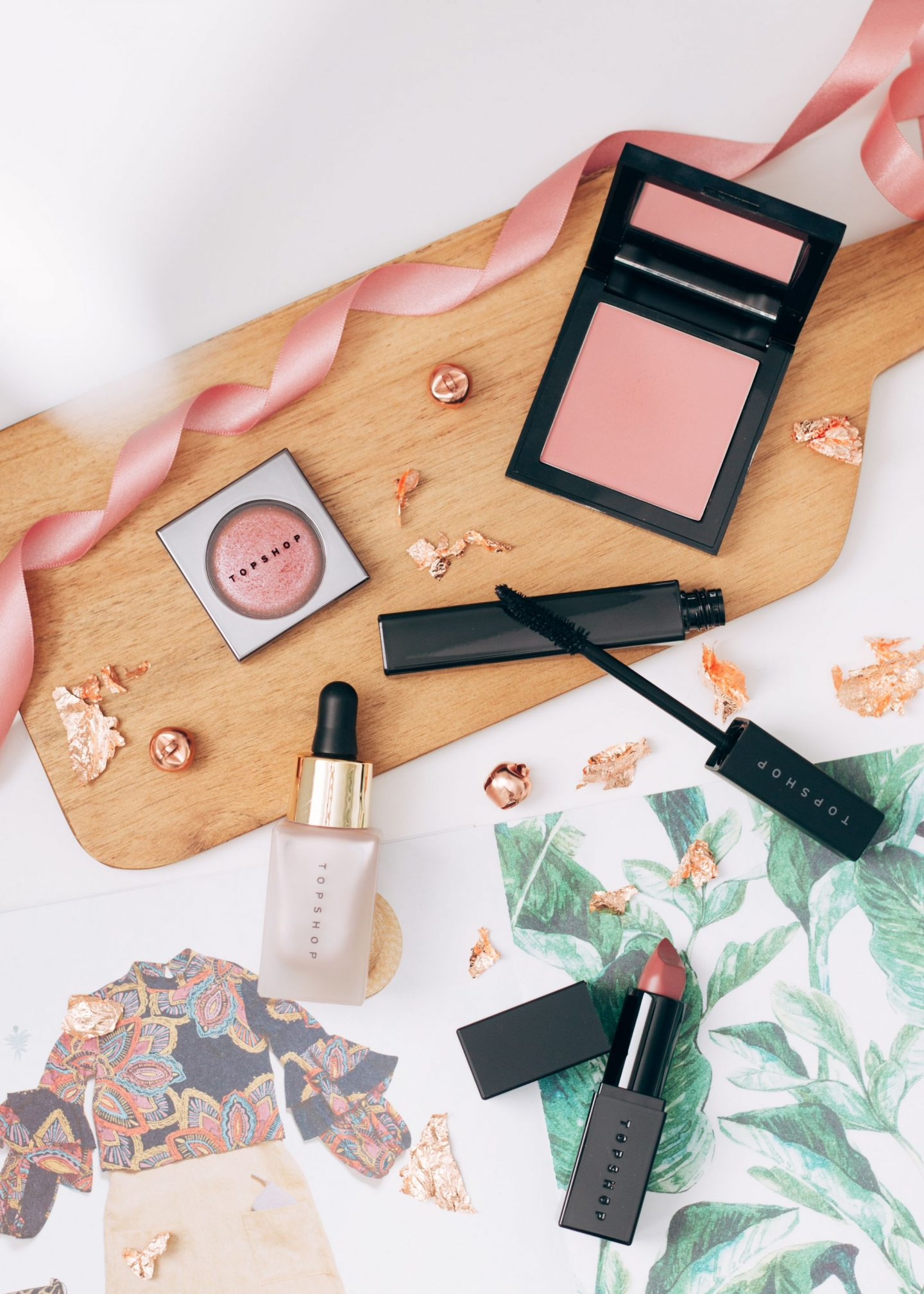 forever september, new and improved topshop beauty, beauty, lifestyle, chatty post, topshop, beauty range, blusher, mascara, highlighter, eyeshadow, lipstick, cream lipstick, high street